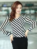 เสื้อทำงาน เสื้อแฟชั่นเกาหลี เสื้อเกาหลี เสื้อแขนยาว ผ้าชีฟอง ลายเฉียงสีขาวสลับดำ คอวี สวยมากๆ (พร้อมส่ง)