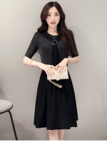 ชุดเดรสสีดำ ตัวเสื้อผ้าโพลีเอสเตอร์ผสม spandex ยืดหยุ่นได้ดี สีดำ