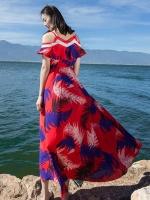 แมกซี่เดรสยาว ผ้าชีฟองเนื้อหนา พื้นสีแดง พิมพ์ลายใบไม้สีน้ำเงินดำ และขาว เหมือนแบบ