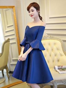 ชุดเดรสออกงาน สุดหรู ผ้าไหมเนื้อดีเงาสวย สีน้ำเงิน ดีไซน์สวย เปิดไหล่ แขนยาวสี่ส่วน