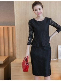 ชุดสีดำ set เสื้อ และกระโปรงทรงสุภาพ