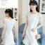 ชุดเดรสสีขาว ตัวเสื้อผ้ารูปดอกกุหลาบสามมิติ ลายนูนออกมาจากตัวชุดสีขาว thumbnail 3