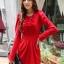 fashion ชุดทำงาน ชุดทํางานเกาหลี สีแดง คอแต่งระบาย แขนยาว กระโปรงสั้นเข้ารูป ซิปข้าง ซื้อเป็นของขวัญให้แฟนน่ารักดีครับ (พร้อมส่ง) thumbnail 3