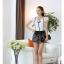 เสื้อผ้าแฟชั่น set 2 ชิ้น เสื้อ+กางเกง และเข็มกลัดดอกไม้ แฟชั่นเกาหลีสวยๆ ครับ thumbnail 4