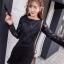 ชุดเดรสสั้นสีดำ ชุดสีดำ แขนยาว ตัวเสื้อเป็นผ้าทำเป็นรูปดอกกุหลาบ แขนเสื้อผ้าลูกไม้สีดำ thumbnail 3