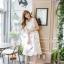 ชุดเดรสเกาหลี ผ้าซาตินเนื้อนิ่ม เงาสวย แขนกุด พื้นสีขาว พิมพ์ลายดอกไม้โทนสีขาว เดรสเข้ารูปช่วงเอว thumbnail 9