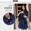 ชุดเดรสแฟชั่น ผ้ายีนส์ สีน้ำเงินเข้ม มีลายเส้นสีขาวในตัว แขนยาวสามส่วน thumbnail 5