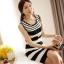 ชุดเดรสสั้น ชุดเดรสเข้ารูป Brand เกาหลี เดรสผ้านิตติ้งแขนกุด ลายขวางขาวดำ ผ้ายืดหยุ่นได้ดี สวยมากๆครับ (พร้อมส่ง) thumbnail 2