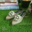 รองเท้าหัวแหลมแบบสวม ติดดอกคามิเลียพร้อม Logo CC thumbnail 3