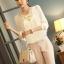 เสื้อทำงาน แฟชั่นเกาหลี เสื้อแขนยาว ผ้าชีฟอง ปักดิ้นที่คอ สวมใส่สบาย สีขาว สวยมากๆ (พร้อมส่ง) thumbnail 1