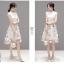 ชุดเดรสสวยๆ ตัวเสื้อผ้าลูกไม้ลายดอกไม้ สีขาวครีม คอจีน มีซิบด้านหลังลำตัว thumbnail 5