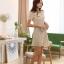 ชุดเดรสออกงาน Wei yu xiun ชุดเดรสสั้น ตัวเสื้อผ้าชีฟองชนิดหนา สีครีม ตัวกระโปรงทรงเอ ตัวชุด เย็บผสม ผ้าทอลายตามแบบ พร้อมส่ง thumbnail 10