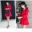ชุดเดรสแฟชั่น ผ้าโพลีเอสเตอร์ สีแดง (เนื้อผ้าคล้ายชีฟอง แต่หนากว่าชีฟอง) thumbnail 5