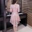 ชุดเดรสสวยๆ ตัวชุดผ้าโปร่งเนื้อละเอียด ตัวผ้าเดินเส้นผ้าริบบิ้นสีชมพูโค้งหยักตามแบบ thumbnail 3