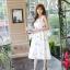 ชุดเดรสเกาหลี ผ้าซาตินเนื้อนิ่ม เงาสวย แขนกุด พื้นสีขาว พิมพ์ลายดอกไม้โทนสีขาว เดรสเข้ารูปช่วงเอว thumbnail 7