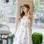 ชุดเดรสเกาหลี ผ้าซาตินเนื้อนิ่ม เงาสวย แขนกุด พื้นสีขาว พิมพ์ลายดอกไม้โทนสีขาว เดรสเข้ารูปช่วงเอว thumbnail 2