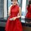 ชุดเดรสสีแดง แขนกุด ตัวเสื้อผ้าถักโครเชต์ลายดอกไม้ คอจีน thumbnail 1