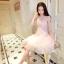 ชุดเดรสสวยๆ ตัวชุดเป็นผ้ามุ้ง สีชมพู เย็บซ้อนด้วยผ้าปักลายใบไม้ เข้ารูปช่วงเอว thumbnail 1