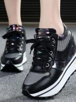 รองเท้าผ้าใบเสริมส้นแฟชั่น