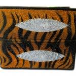 กระเป๋าสตางค์ปลากระเบน 2 มุข ลายเสือก ดีไซน์ สวยงาม ทันสมัย