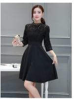 ชุดเดรสสีดำ ชุดสีดำ ตัวเสื้อผ้าลูกไม้สีดำเนื้อดี แขนยาวสี่ส่วน