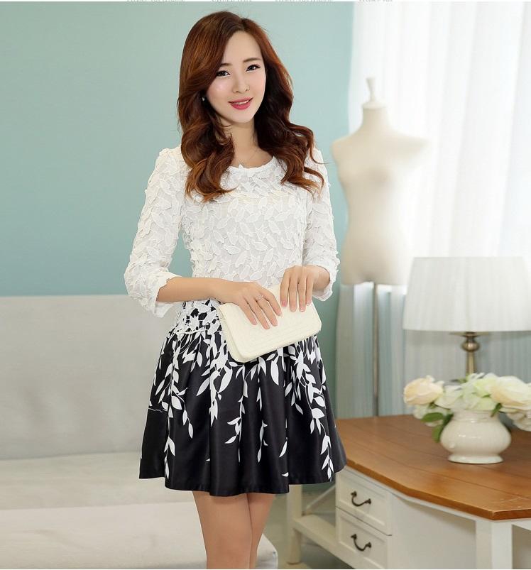 ชุดเดรสออกงาน ตัวเสื้อผ้าถัก สีขาว แขนยาวสี่ส่วน กระโปรงผ้าซาตินสีดำ