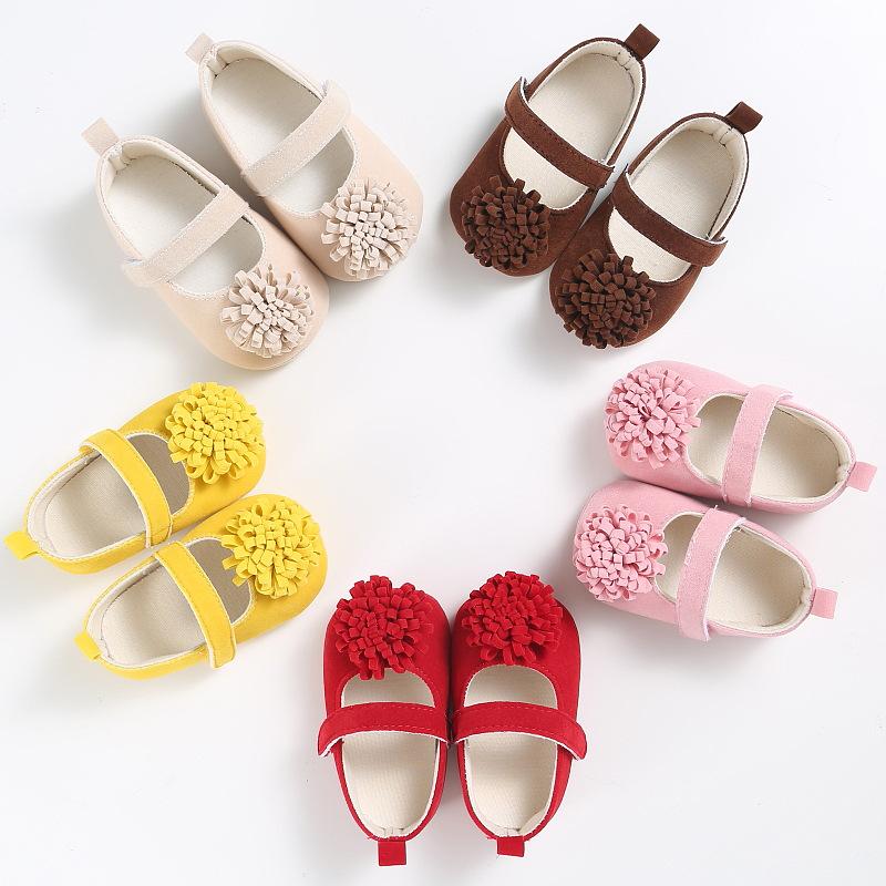 รองเท้าเด็กหัดเดิน ประดับพุ่มดอกไม้ด้านหน้า มีพื้นกันลื่น รหัส MKS001