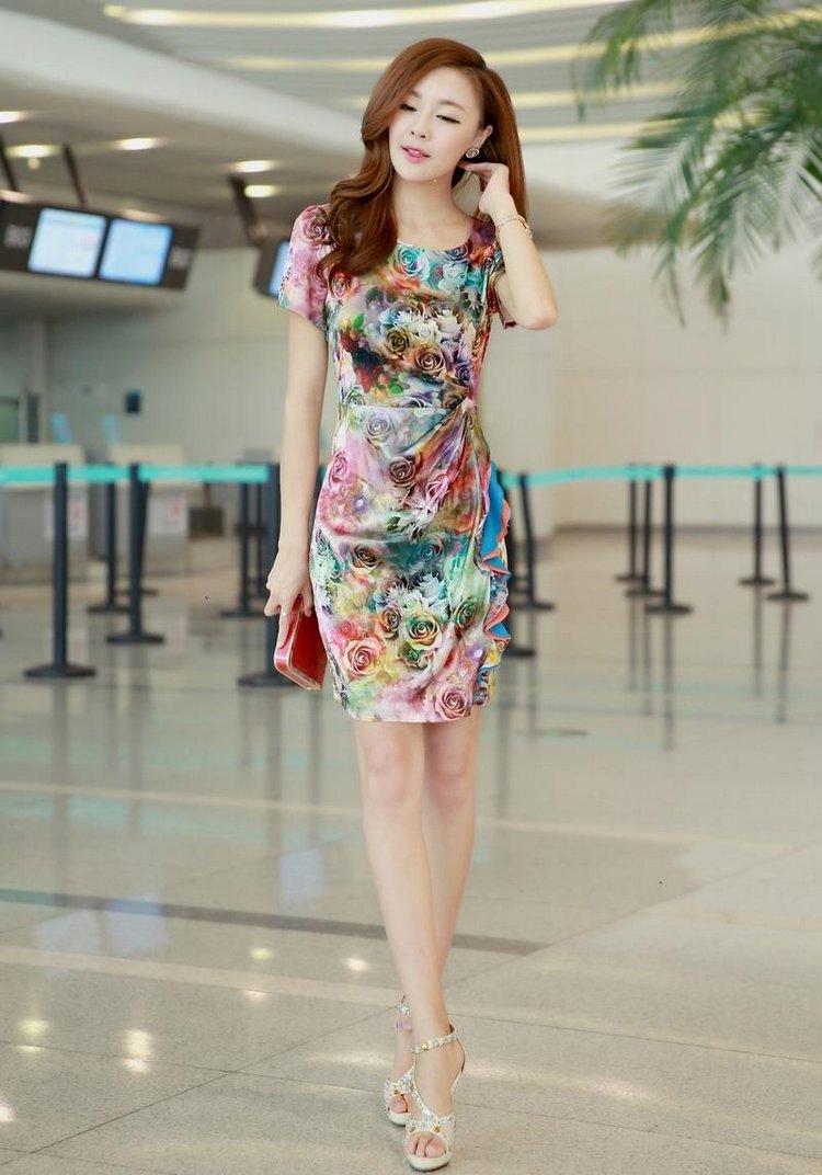 ชุดเดรสสวยๆ ผ้าไหม silk เนื้อนุ่ม พิมพ์ลายดอกกุหลาบ ทรงตรง