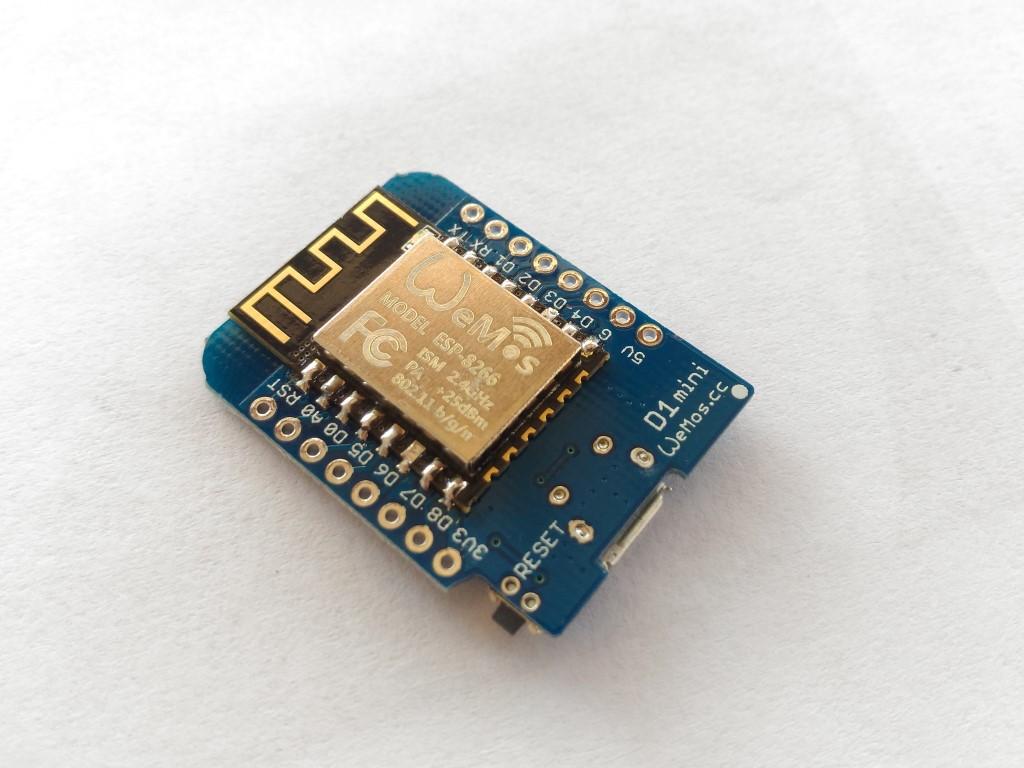 WeMos D1 Mini + Free Pin Headers