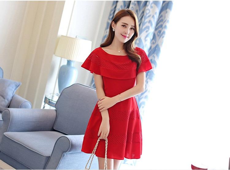 ชุดเดรสชีฟอง ชนิดหนา สีแดง ผ้านิ่มสวย ทิ้งตัวได้ดี คอระบาย