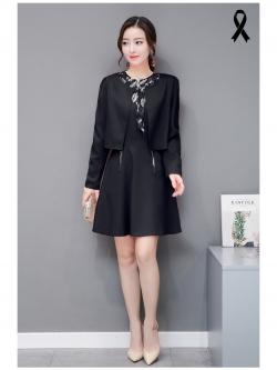 ชุดสีดำ set เสื้อสูท และเดรสสวยสุภาพครับ
