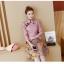 ชุดเดรสคอจีน ผ้าโพลีเอสเตอร์ผสมพื้นสีชมพูกะปิ พิมพ์ลายผีเสื้อและดอกไม้โทนสีเหลือง แขนยาวห้าส่วน thumbnail 9
